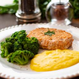 Hambúrguer de Salmão, Brócolis e Purê de Mandioquinha 325g