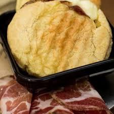 Pão de queijo com Queijo e Copa