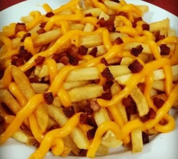 Batata Frita com Bacon e Cheddar Polenghi