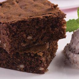 Brownie de chocolate meio amargo com nozes