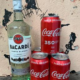 Garrafa de Rum Bacardi + 6 Coca-Cola Original