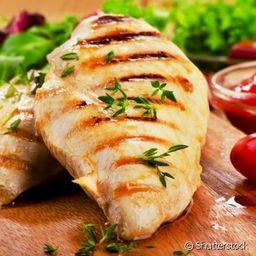 Filé de frango com salada