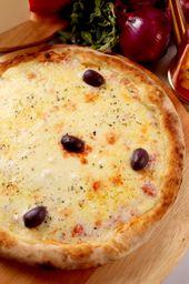 Pizza De Monzarela