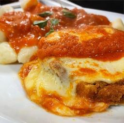 Gnocchi Pomodoro Com Polpetone (Serve 2 pessoas)