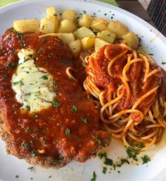 Filé à Parmegiana com Spaghetti e Batata Sauté + 1 Refri Lata