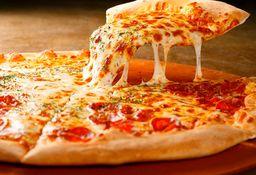 Pizzas salgadas (sabores selecionados) + Refri