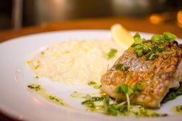 Pesce del giorno con risotto