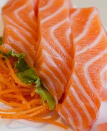 Sashimi Nami Salmão ou Atum + 1 Hot