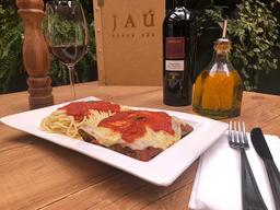 Filé à Parmegiana com Espaguete ao Sugo