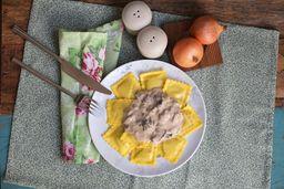 Ravioli quatro queijos ao funghi