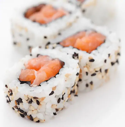 Uramaki de salmão