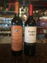 Casal Garcia E Casillero Del Diablo