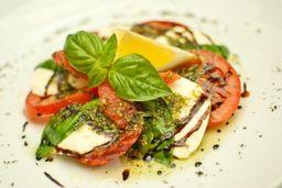 Salada Caprese E Frango Á Milanesa