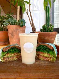 Sanduíche de Salmão com Avocado + Escolha seu suco