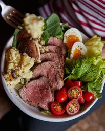 Bowl Rosbife com Salada de Batatas