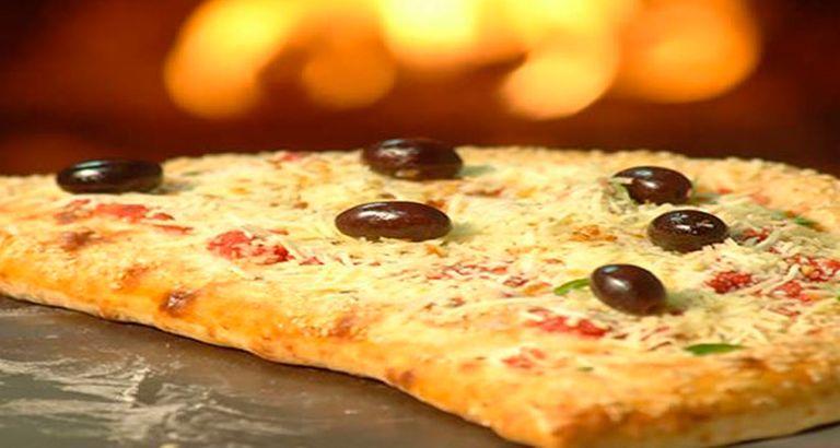 Logo Pan Pizzas e Refeições