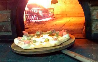 Logo Pizzaria  Bella Pizzarella