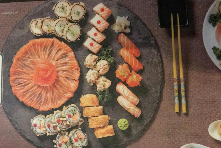 Logo Naomi Sushi Bar