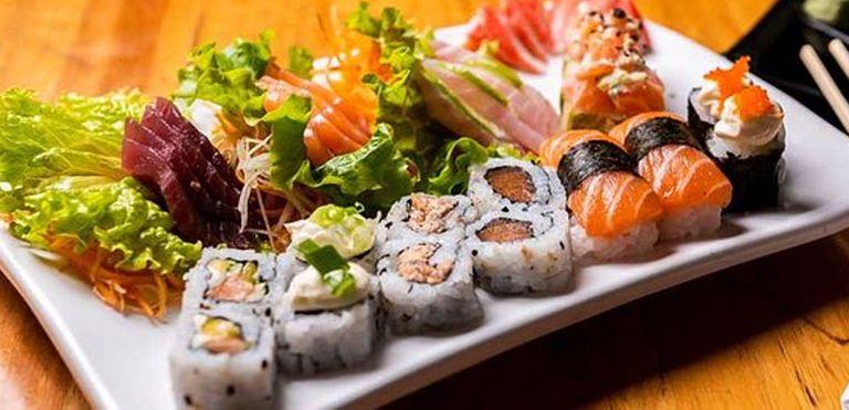 Logo Flying Sushi