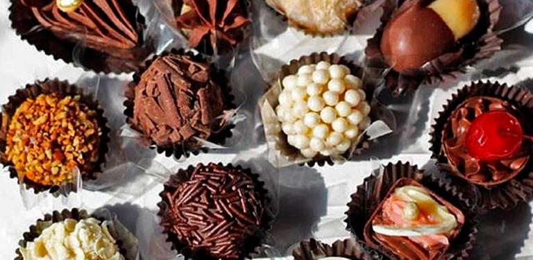 Logo Divina gula chocolates