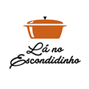 Lá No Escondidinho background